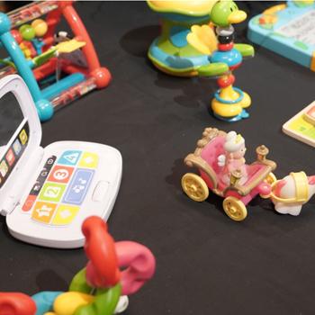 Merangsang Sensori Dengan Mainan