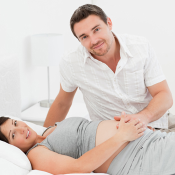 Apa yang Wajib Dilakukan Suami di Kamar Bersalin?