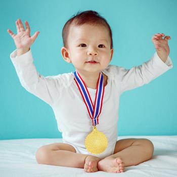 5 Milestone Penting Pada Bayi
