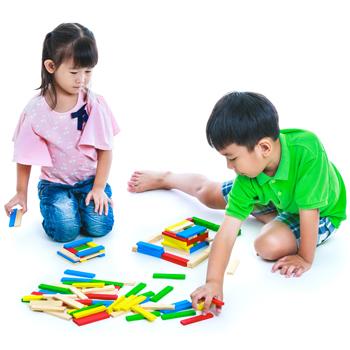 Stimuli Kecerdasan Anak Melalui Mainan