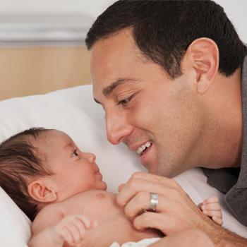 Cara Main dengan Bayi Usia 0-3 Bulan