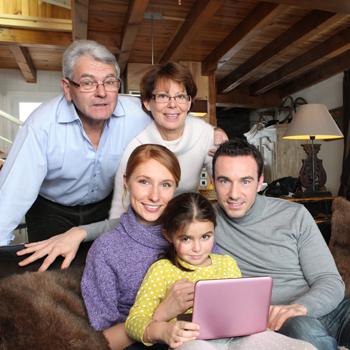 Tantangan Membesarkan Anak di Dalam Keluarga Besar