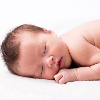 Cara Praktis Membersihkan Bayi dari Ujung Kepala ke Kaki