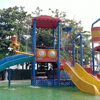 Bermain Air di Dupan Water Park Pekalongan