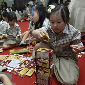 Lotte Choco Pie Kunjungi Sekolah Dasar untuk Berbagi #PremiumMomentstogether dengan Ibu dan Anak