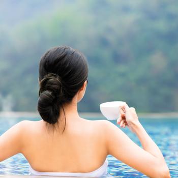 Ini Manfaat Berendam Air Panas Bagi Kesehatan Tubuh