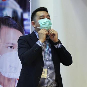 Masker dengan Karbon Aktif untuk Lindungi Kesehatan Pernapasan Komuter